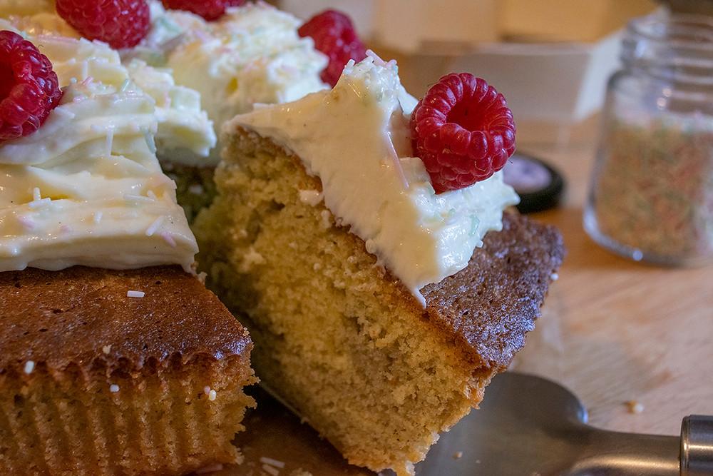 Découpe big cupcake à partager framboises