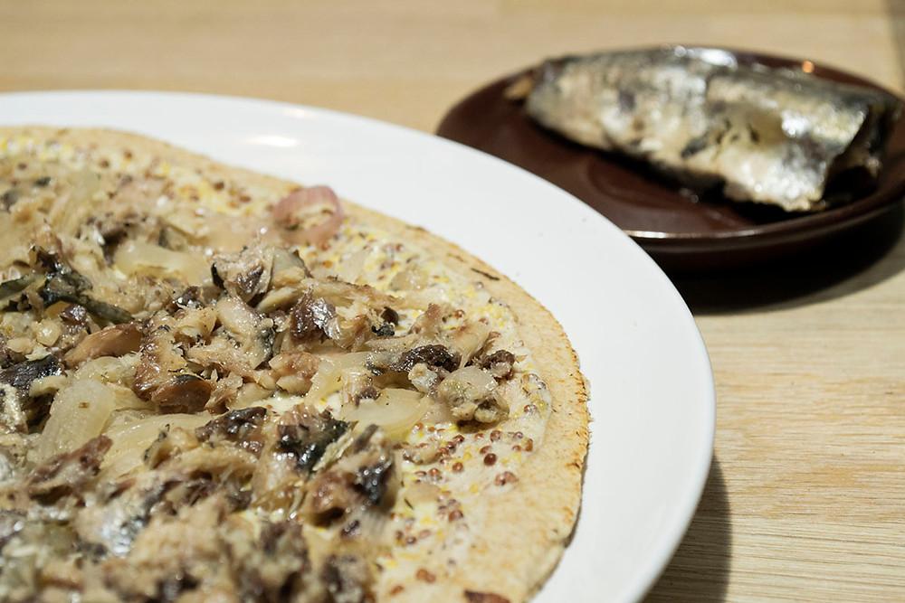 Assiette tarte fine à la sardine