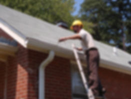 gutter cleaning in fairfax virginia done by pressure washing pro