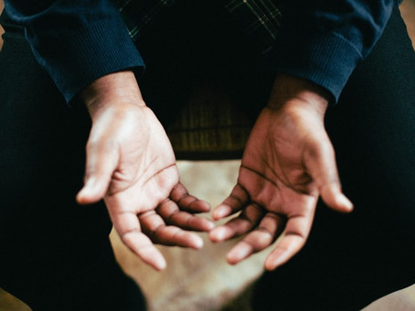 4 Common Causes of Tingling Hands and When to Be Concerned