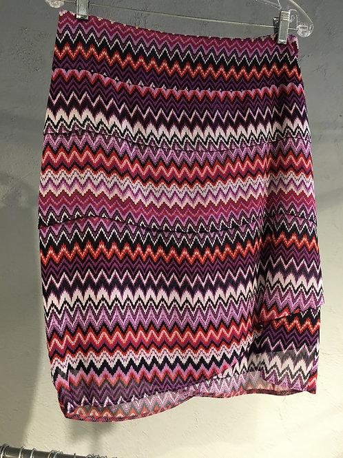 3733-7 jupe courte droite doublée 3 étages en mousseline de polyester