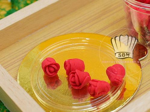 ดอกไม้น้ำตาลปั้น ลายกุหลาบแดง
