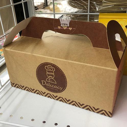 กล่องทรงยาวมีหูหิ้วสีน้ำตาลคราฟท์