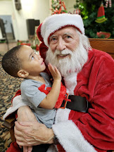 NIBC takes Santa to Dallas Life Homeless