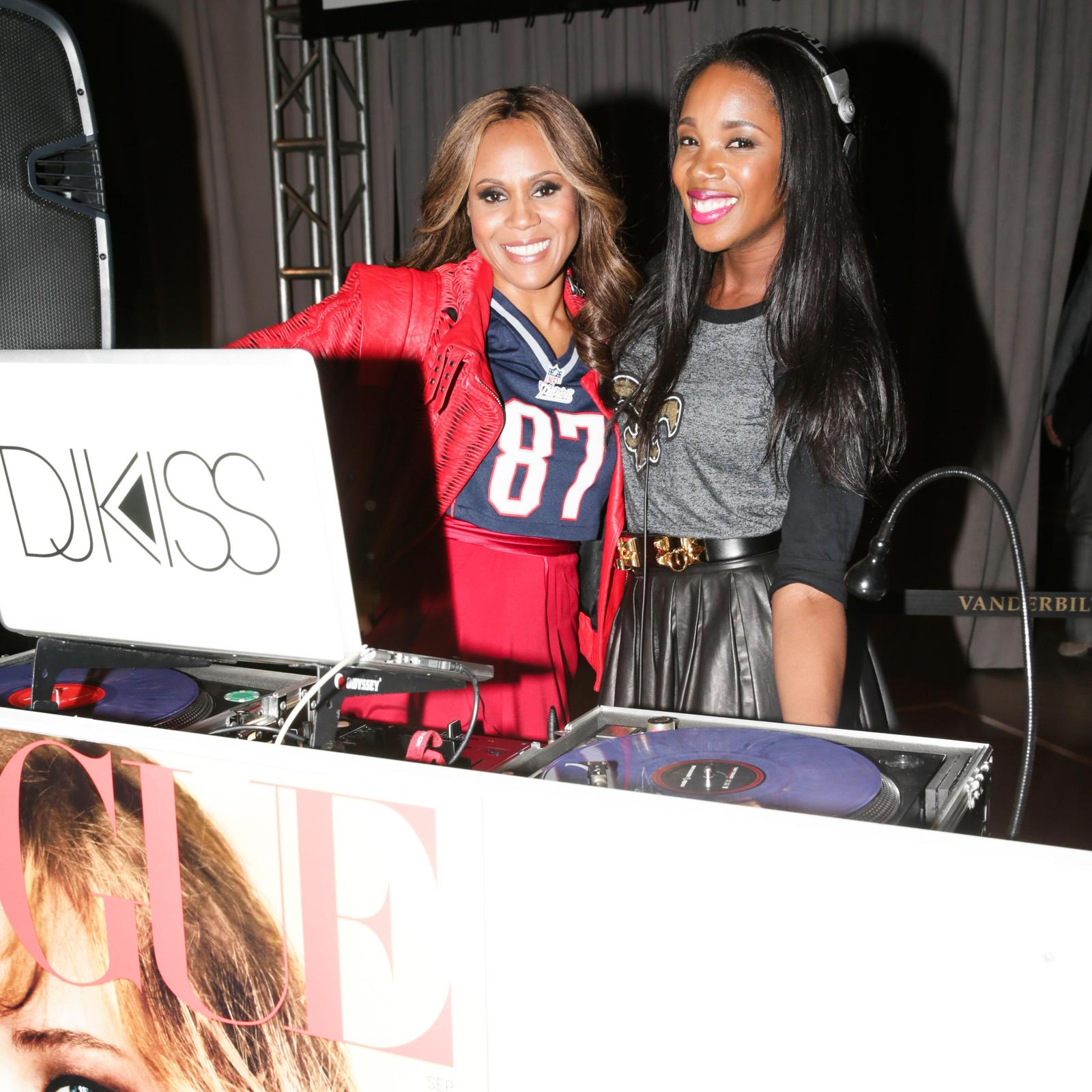 Deborah Cox at Vogue NFL Kickoff par