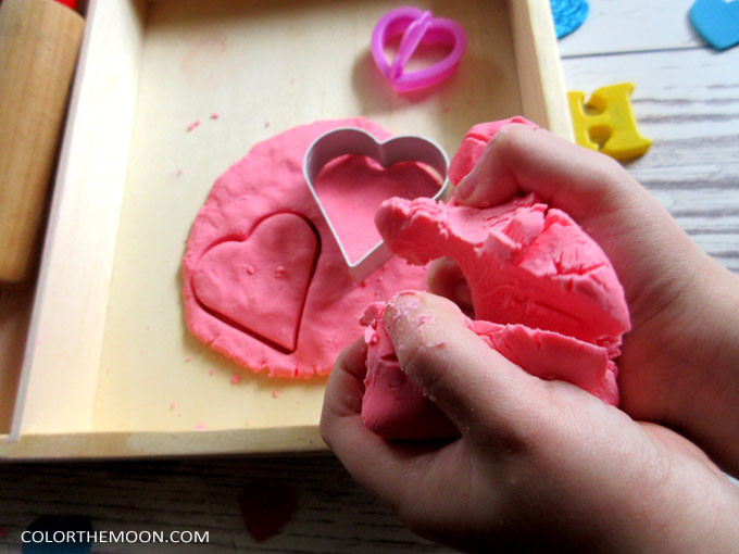 This homemade Soap Dough is SO FUN. And it's so easy to make! What a great idea for Sensory Play!