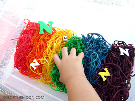 HOW TO DYE PASTA FOR A COLORFUL NOODLES SENSORY BIN