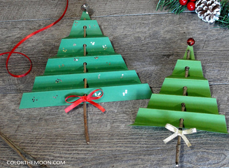 FOLDED PAPER TREE: AN EASY CHRISTMAS CRAFT FOR KIDS!