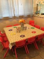 שולחן האוכל בגן