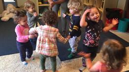 מקבלים את השבת בריקודים