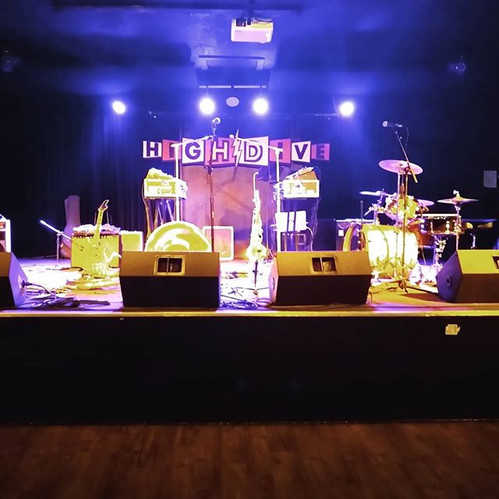 Pre-Show at the High Dive