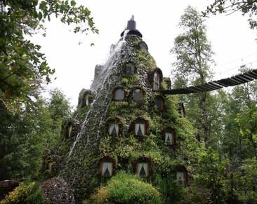 Destinos maravillosos: Hotel Lodge Montaña Mágica, en la Reserva Biológica Huilo Huilo, Chile.