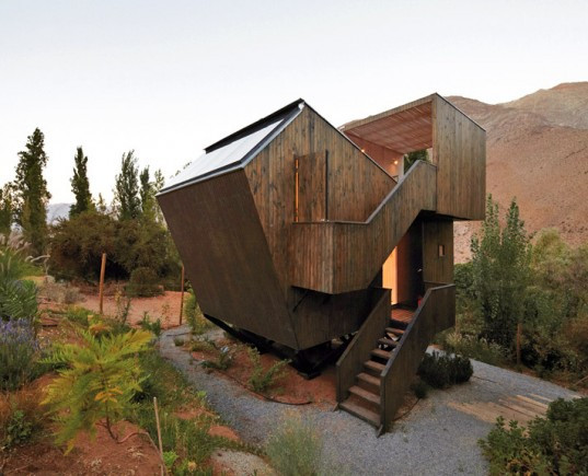 Elqui-Domo-Night-Sky-Viewing-Cabins-In-Chile-lead-537x435.jpg