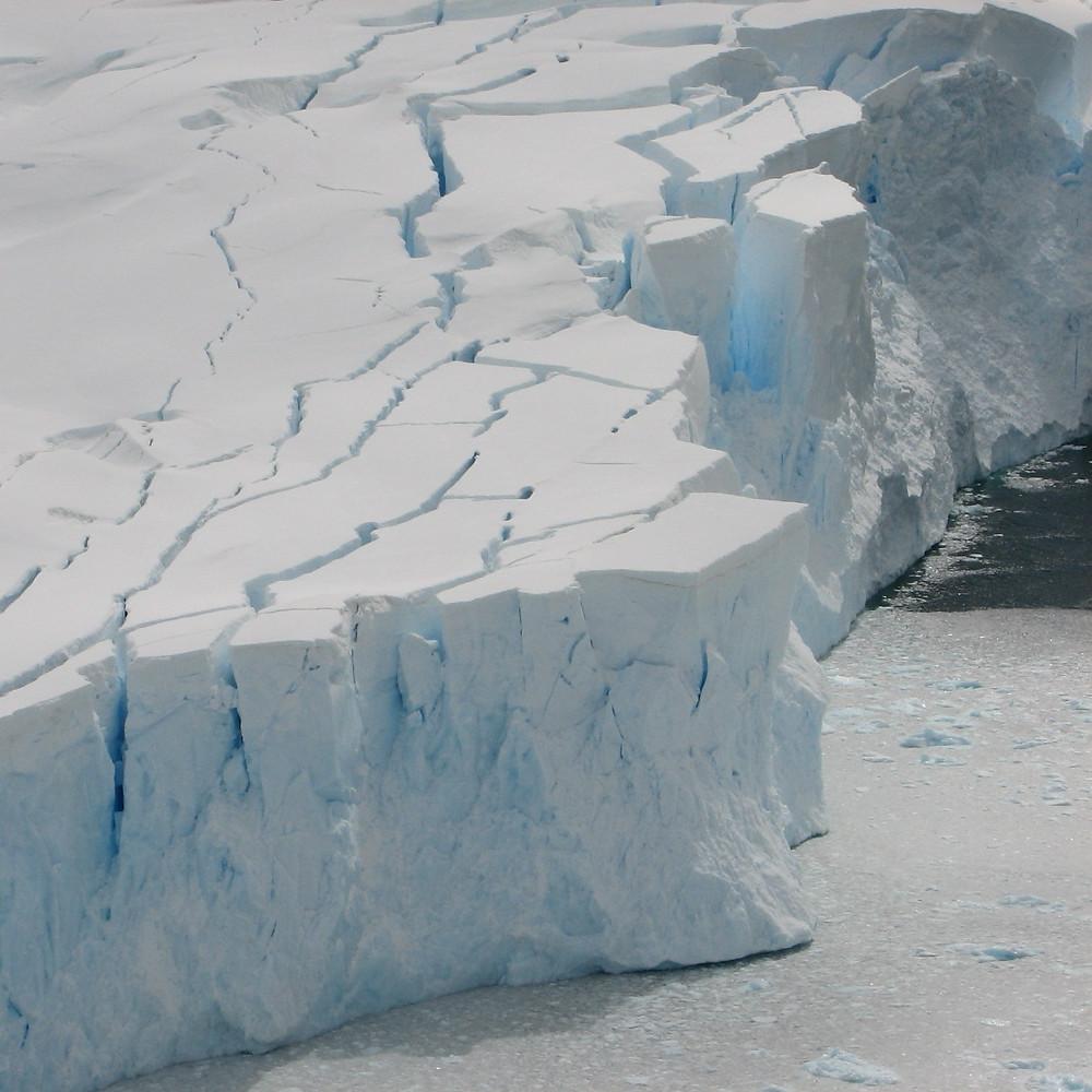 WhiteEarthWhite EarthGlacierMeltingFast0002A.jpg