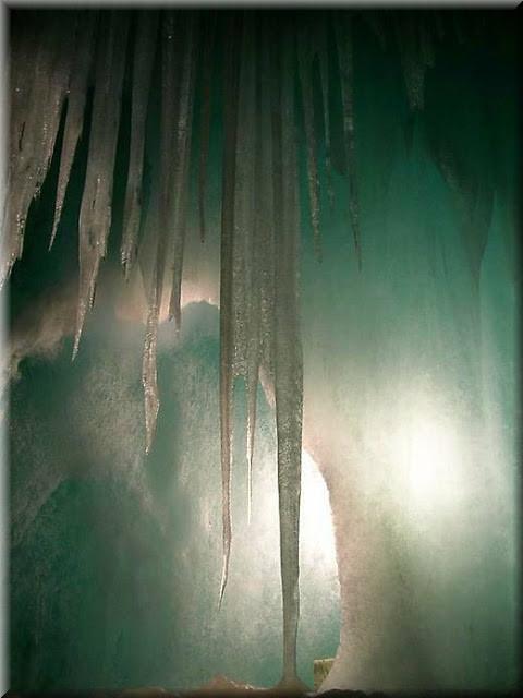 La_cueva_de_hielo_más_grande_del_mundo_Cueva-Glaciar_de_Eisriesenwelt_Werfen_(8)
