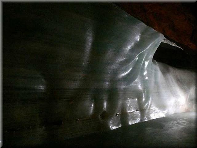 La_cueva_de_hielo_más_grande_del_mundo_Cueva-Glaciar_de_Eisriesenwelt_Werfen_(19