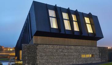 Esta casa ecológica que genera mucha más energía que la que se utilizó para construirla