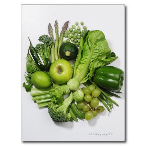 una_seleccion_de_frutas_y_de_verduras_verdes_tarjeta_postal-rdbf45b0ffa784723b6e