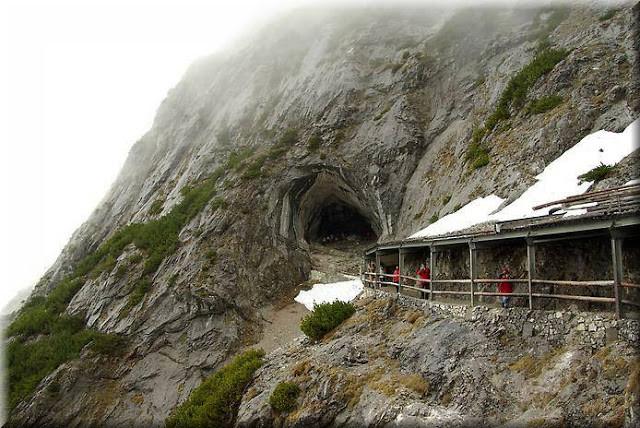 La_cueva_de_hielo_más_grande_del_mundo_Cueva-Glaciar_de_Eisriesenwelt_Werfen_(23