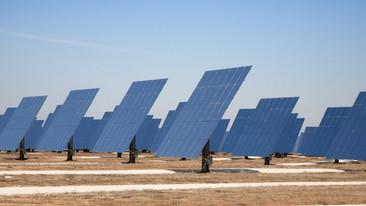 China alfombra su desierto con paneles solares