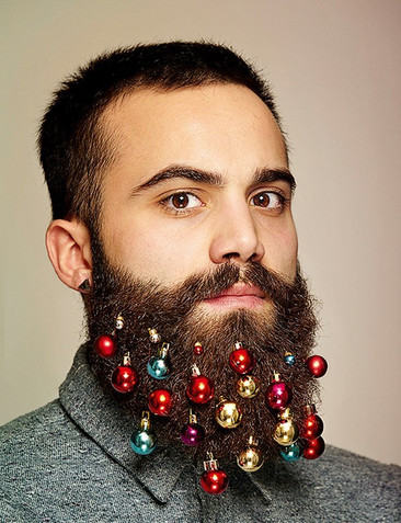 Estos hombres han creado unos adornos para barbas