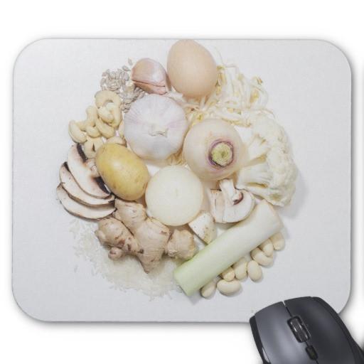una_seleccion_de_frutas_y_de_verduras_blancas_alfombrilla_raton-raead297e34c84ec