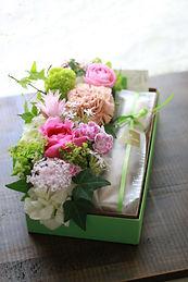 パウンドケーキとお花のセットa.jpg