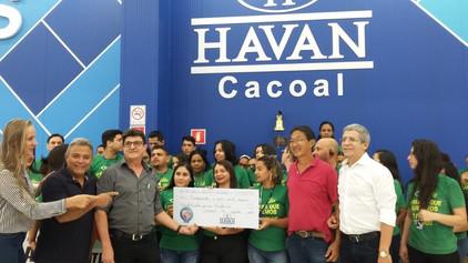 """Grupo Havan faz doação do """"Troco Solidário"""" a Casa de Apoio Amor Fraterno."""