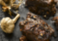 Barbecue-beef-short-ribs-with-black-garl