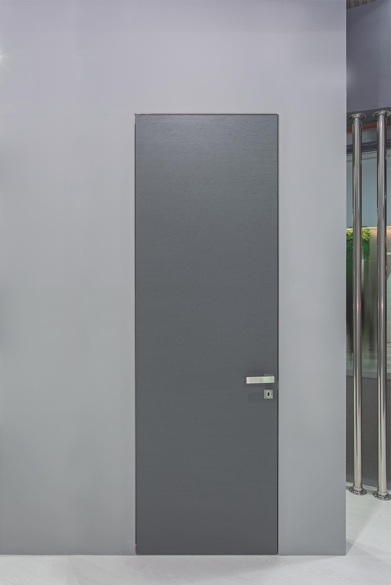 INTERNAL DOOR LESS WITH HIDDEN ALUMINUM FRAME & NATURAL VENEER