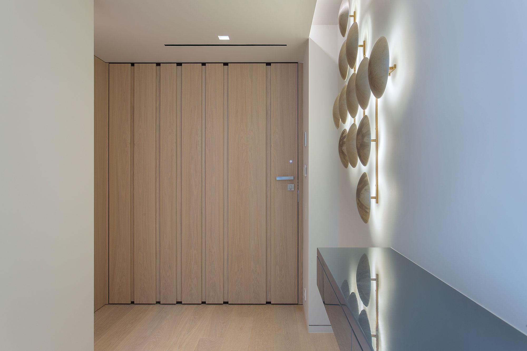 Pivot Door Covered With Natural Oak Veneer