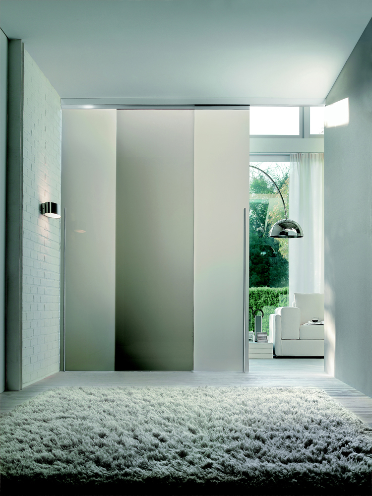 LIGHT CASCADING DOUBLE DOOR