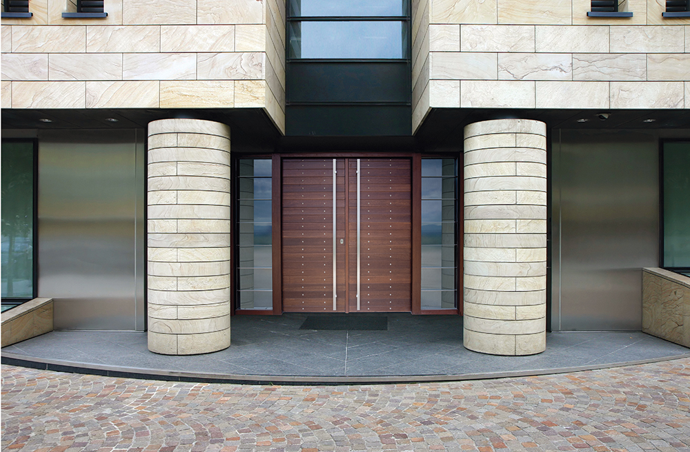 Double Door covered with meranti wood and steady side parts made of glass & stainless steel bars