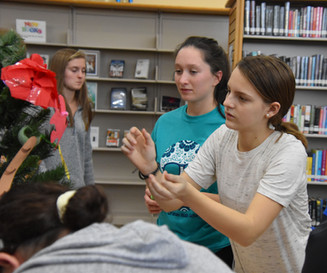 Foreign language clubs celebrate holiday diversity in tree decorating contest