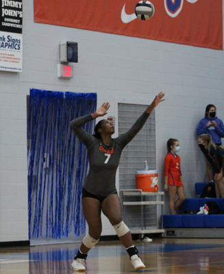 Life with London: Senior commits to Jayhawks volleyball