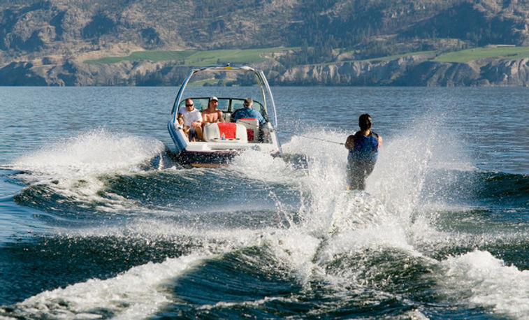 water ski in navarino bay