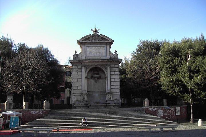 roma piazza trilussa.jpg
