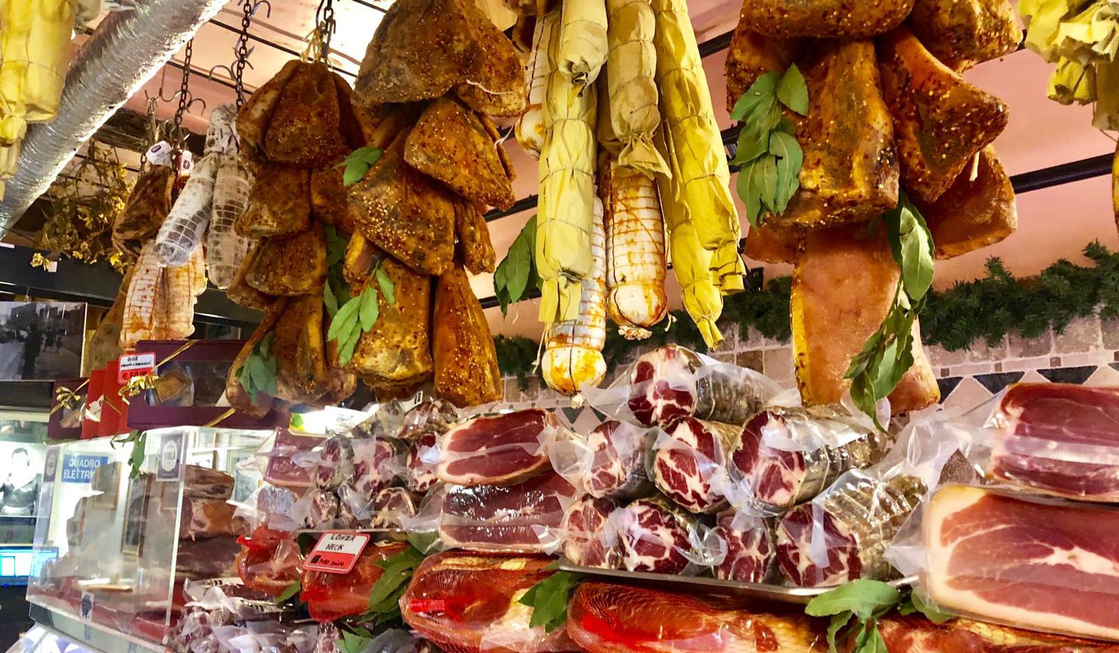rome tour market.jpeg