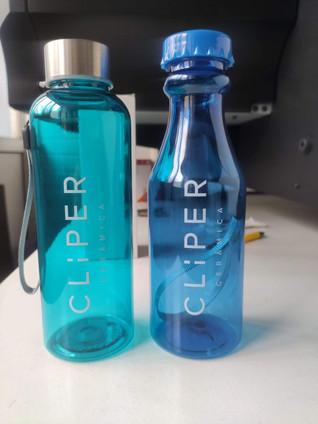 Impressão UV em garrafa de plástico