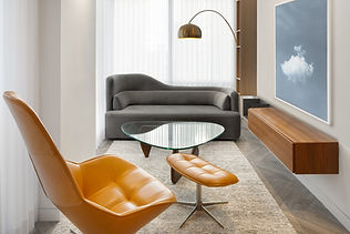 Pied-à-terre Yorkville condo lounge renovation