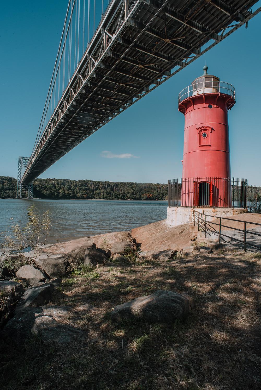 Little Red Lighthouse (c) Silvie Bonne