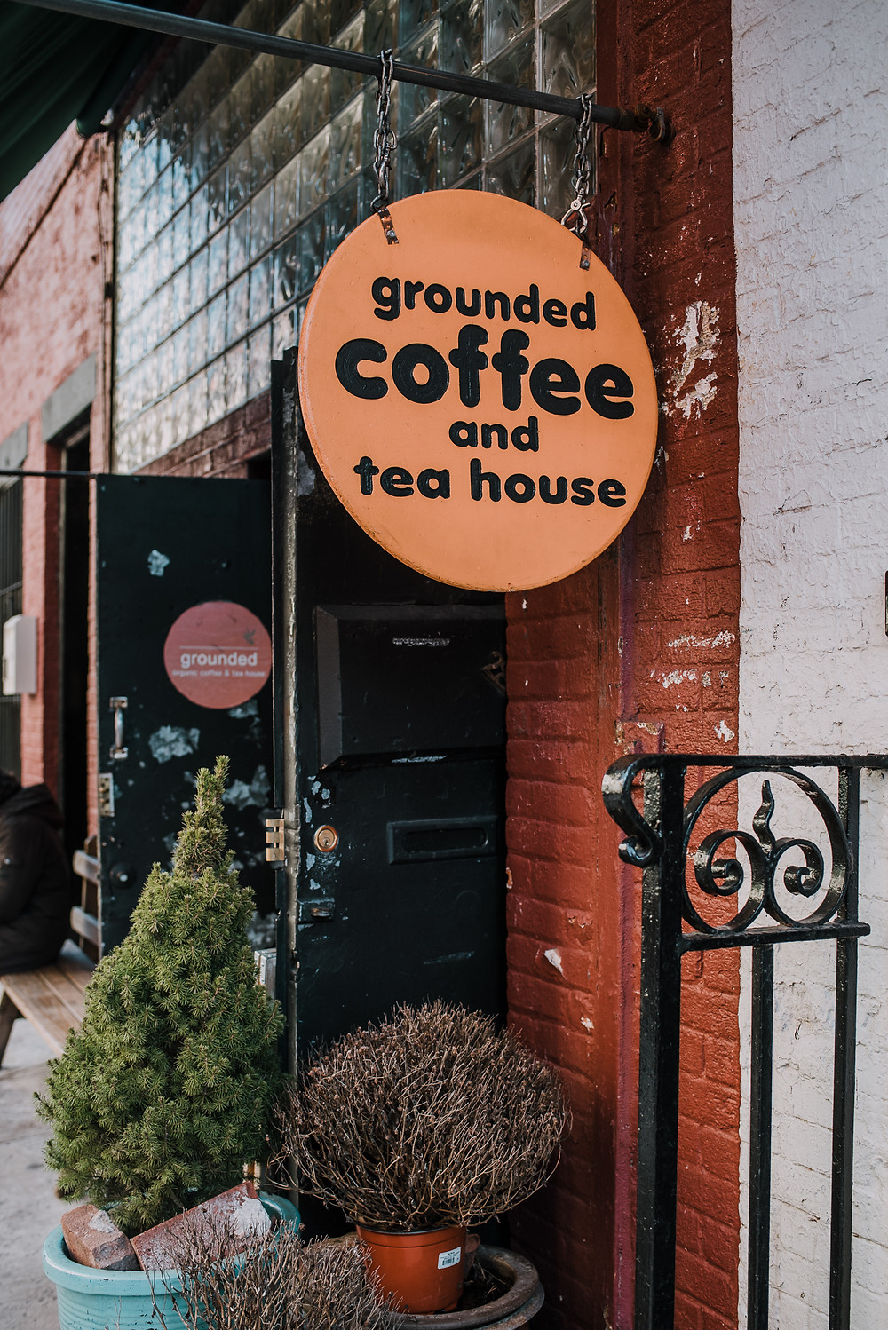 Grounded Coffee and Tea House (c) Silvie Bonne