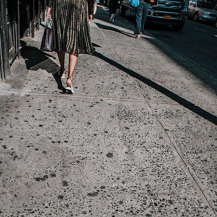 BTWN DWNTWN & MDTWN SOHO Street walker (