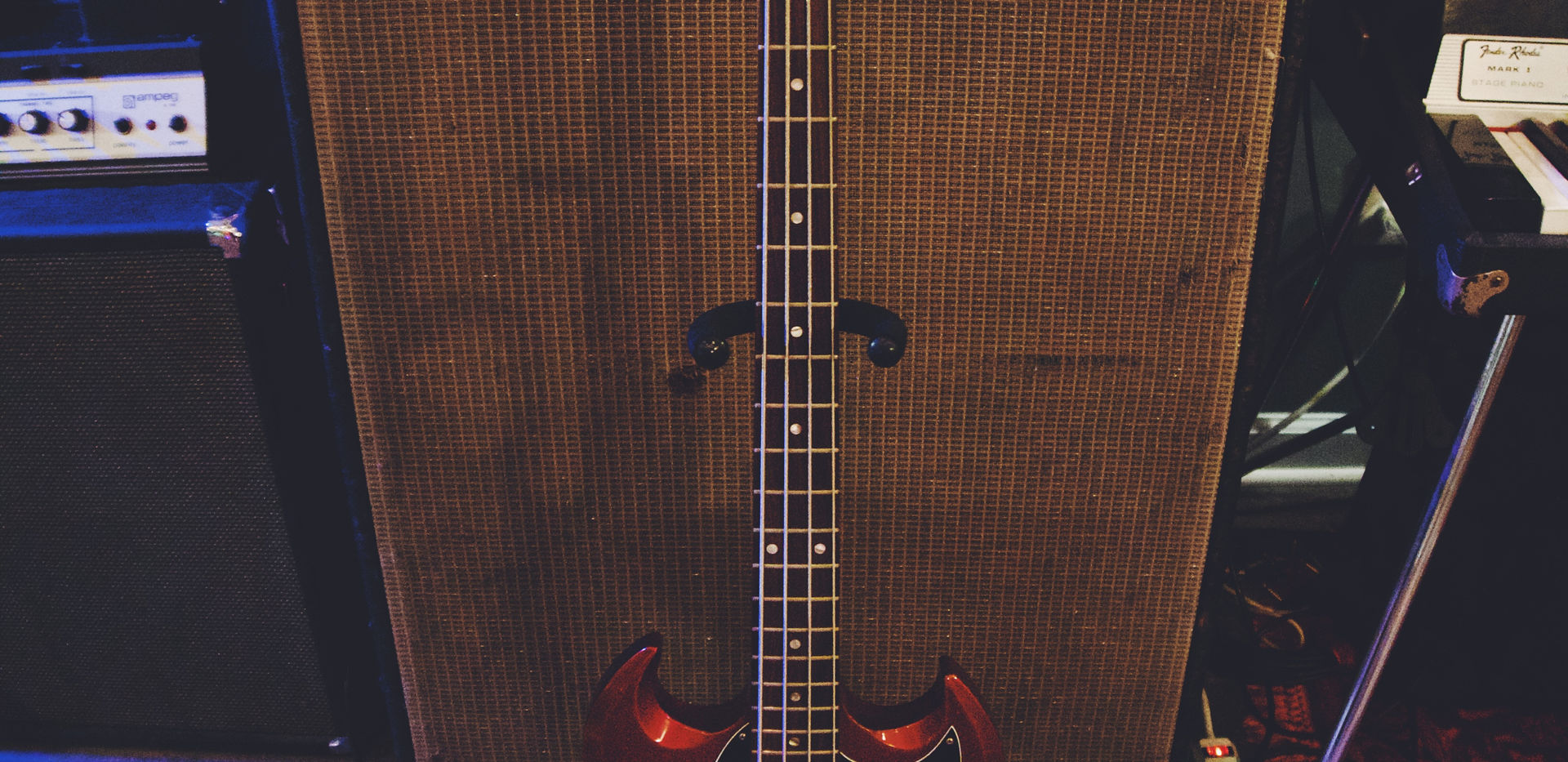 Fender Bassman and Gibson Bass 2021.JPG