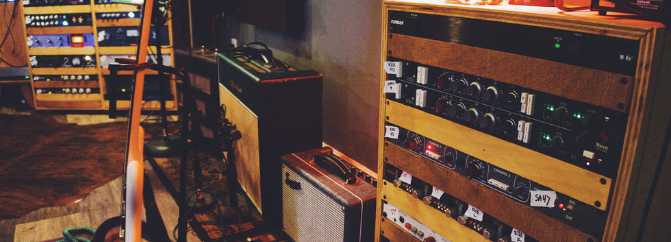 Mic Preamp and Guitar Amps View 2021.JPG