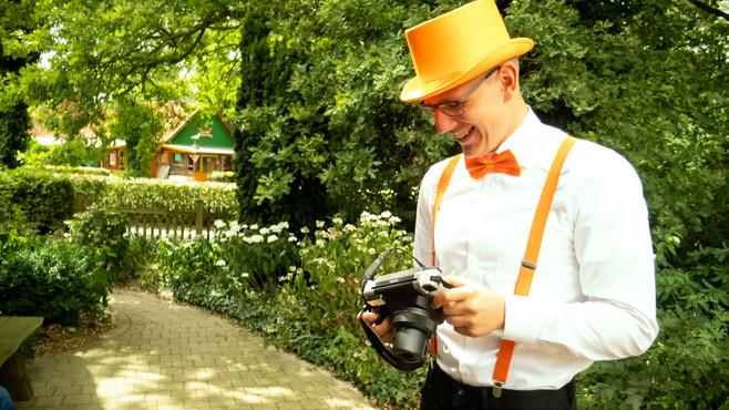 Sofortbildfotograf im Grünen