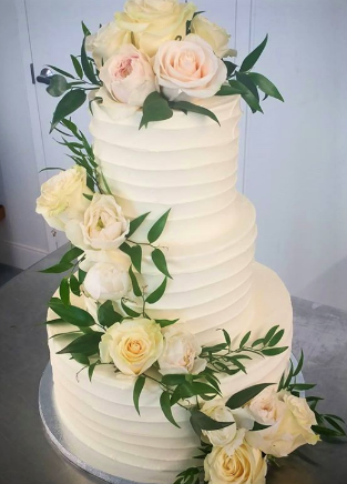 Soft Wave Buttercream cake.png