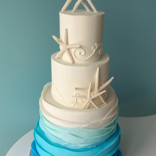 Starfish and Ombre waves wedding cake.jp