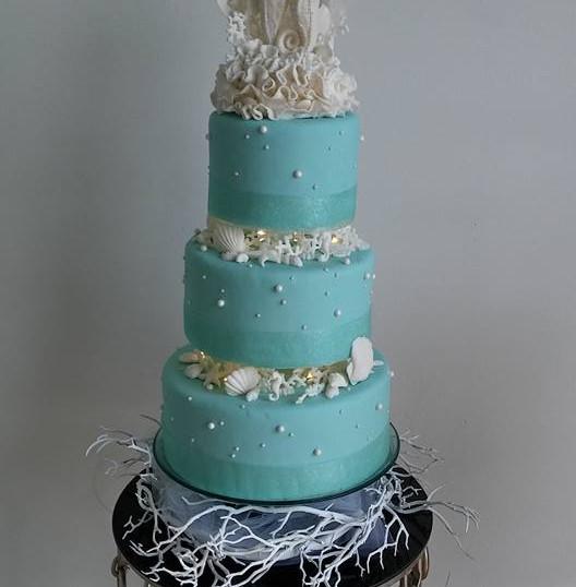 3 Tier Seahourse Turq Wedding Cake.jpg