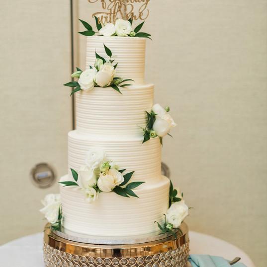 Linear Buttercream Cake.jpg